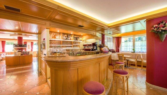 Hotel Villa Rosella Park & Wellness 2730