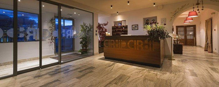 Hotel Cir 5586