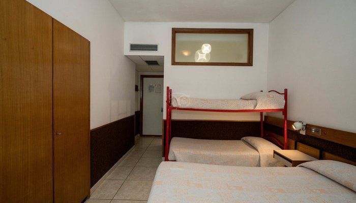 Hotel Holidays 5878