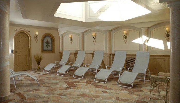 Hotel Belvedere & Paradise Club Center 2074
